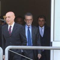 Il ministro Minniti incontra le famiglie delle vittime del killer