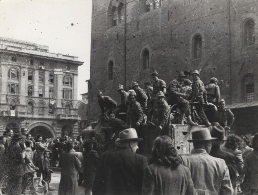 Il 25 aprile alla Cineteca di Bologna: le immagini della liberazione della città