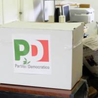 Bologna, meno seggi e sedi cambiate: il rebus delle primarie Pd
