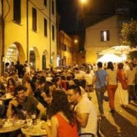 Bologna, movida in via Belvedere: