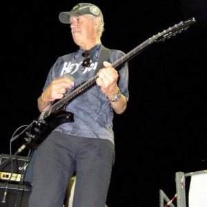 Bologna, si spara Romano Trevisani, ex chitarrista di Vasco e Stadio