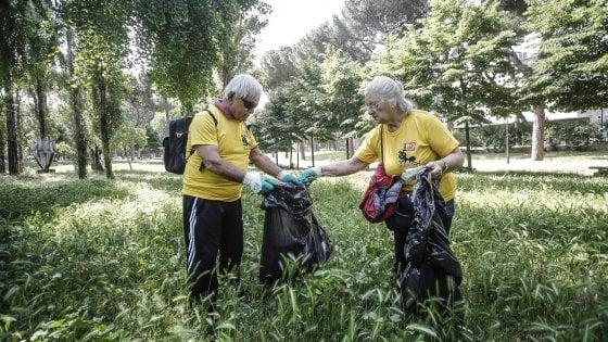 """Bologna, Il Pd invoca le """"magliette gialle"""" contro il degrado in zona universitaria"""