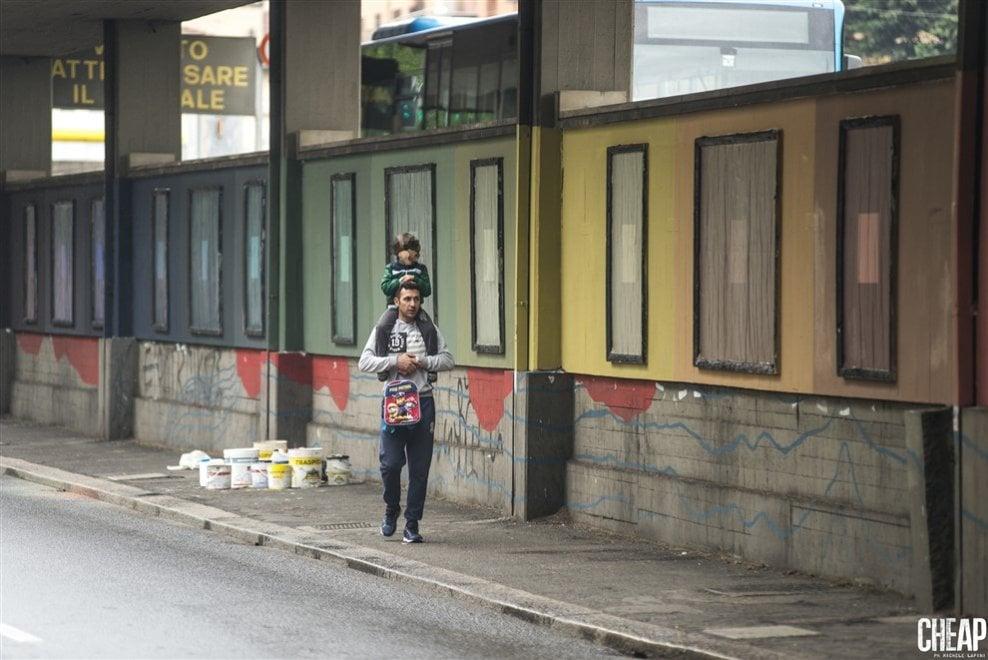 Bologna, colori e quadrati per Cheap: l'opera di Alberonero rilegge la realtà