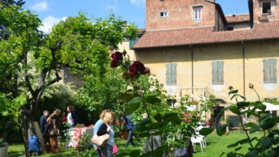 Bologna, i giardini segreti svelati nel weekend: le meraviglie del verde in cinquanta tappe