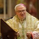 Manchester, l'ultima invettiva del vescovo  di Ferrara Negri