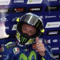 """Rimini, Valentino Rossi è stato dimesso: """"Ma è ancora presto per tornare in pista"""""""