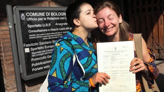 Unioni civili, a Bologna sono 86 ogni 587 matrimoni