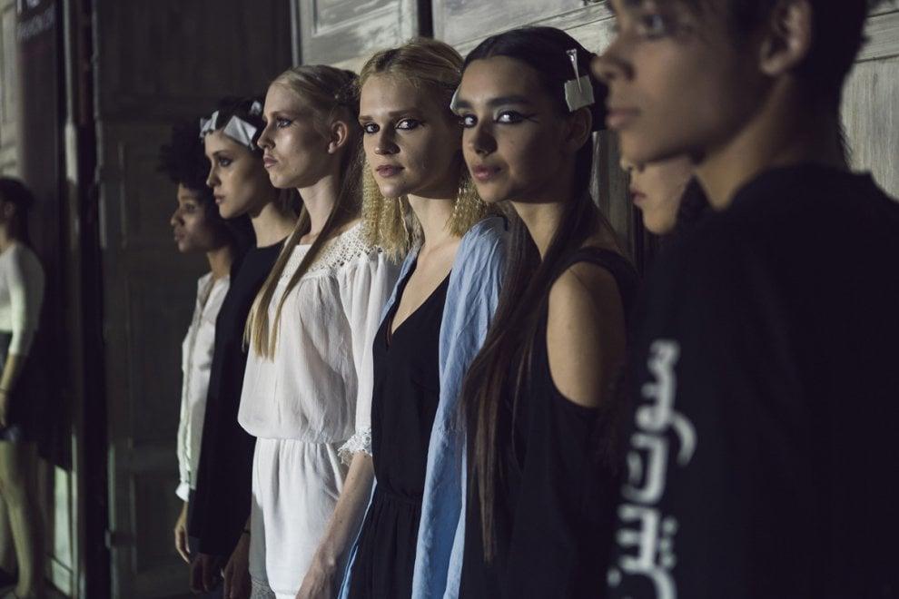 """Bologna, la sfilata """"Metal Code"""" di Next Fashion School"""