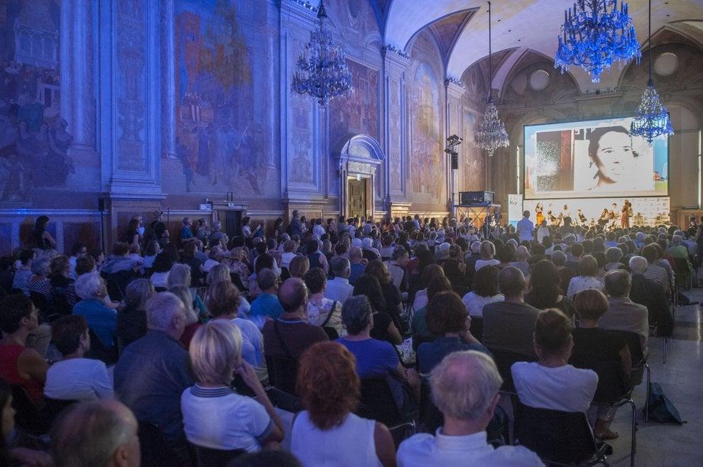 La Repubblica delle donne, Cantone, Recalcati, Zadie Smith e tanti lettori: il primo giorno di RepIdee