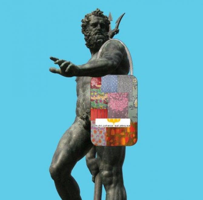 Salaborsa fa tendenza: ecco i gadget della biblioteca più amata di Bologna
