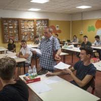 Maturità al via anche a Bologna, 6500 ragazzi alle prove col tema