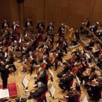 Teatro Comunale di Bologna, il sindaco liquida la Filarmonica e apre la