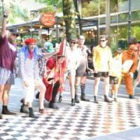 A Salsomaggiore la corsa con gli stivali dei Beatles