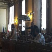 Bologna, polemica in consiglio comunale sulle