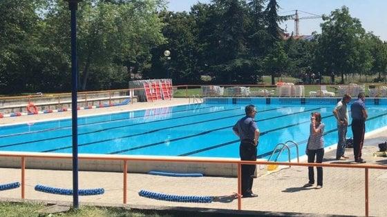 Piacenza bimbo di 6 anni annega in piscina - Piscina farnesiana piacenza ...