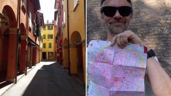 Le parole d'amore per Bologna del turista che ha percorso tutti (ma proprio tutti) i 340 km di strade del centro