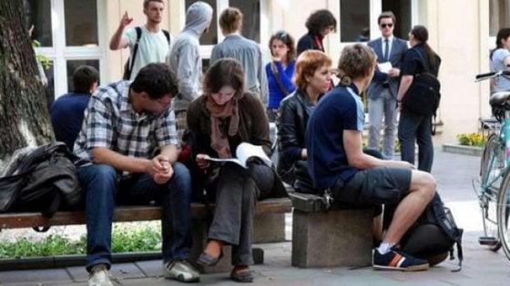 Casa, a Bologna la protesta degli studenti Erasmus