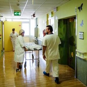 L'estate degli ospedali a Bologna: mille letti in meno