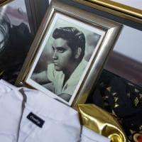 Quarant'anni fa il mondo diceva addio a Elvis: a Senigallia 100 cimeli del mito del rock'n'roll