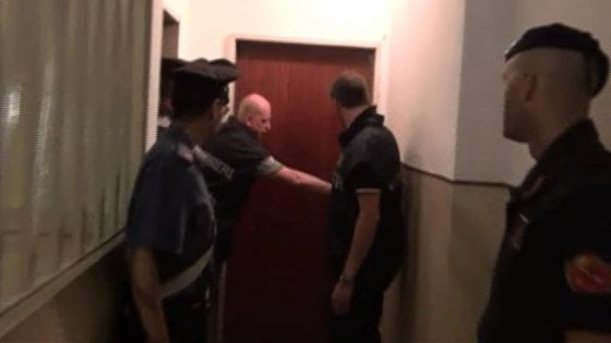 Tratta esseri umani, sette arresti