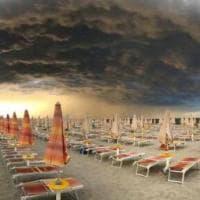 Il temibile temporale è uno spettacolo: la shelf cloud sulla Riviera romagnola