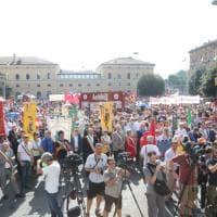 Bologna ricorda la strage alla stazione, fotoracconto del corteo del Due Agosto