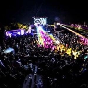 Rimini, al concerto con la pistola finta senza tappo rosso: denunciato turista