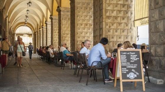 Ferragosto a Bologna? Guida di sopravvivenza tra bar, negozi e supermarket