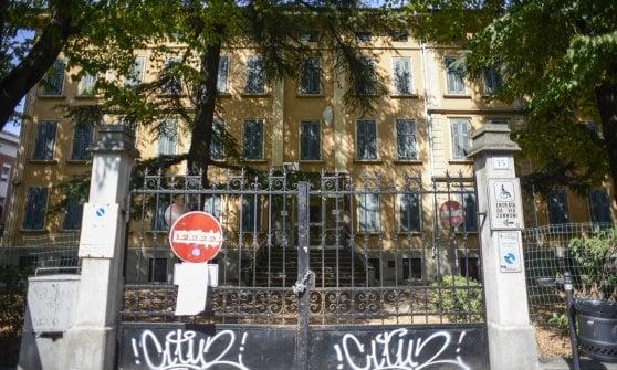 Bologna, dopo gli sgomberi il nulla: 15 spazi abbandonati, i cantieri non decollano