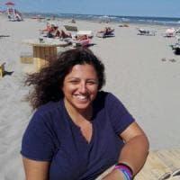 Ferrara, la presidente Arcigay sgridata in spiaggia: