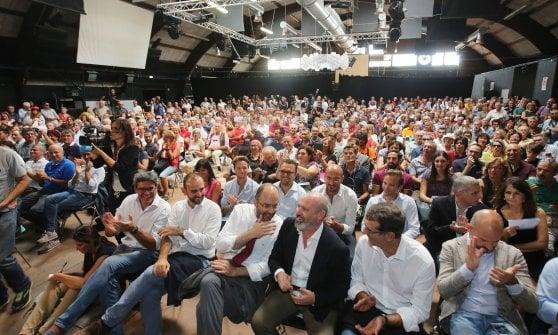 """Renzi alla festa dell'Unità a Bologna: """"Giusto lo stop agli sbarchi, il Pd non è diviso"""""""