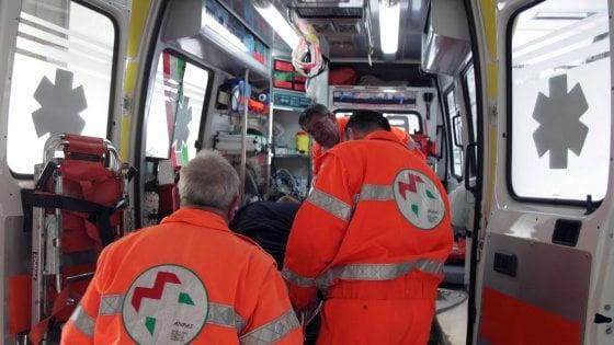 Cesenatico, pullman tampona auto sulla statale Adriatica: muore una donna