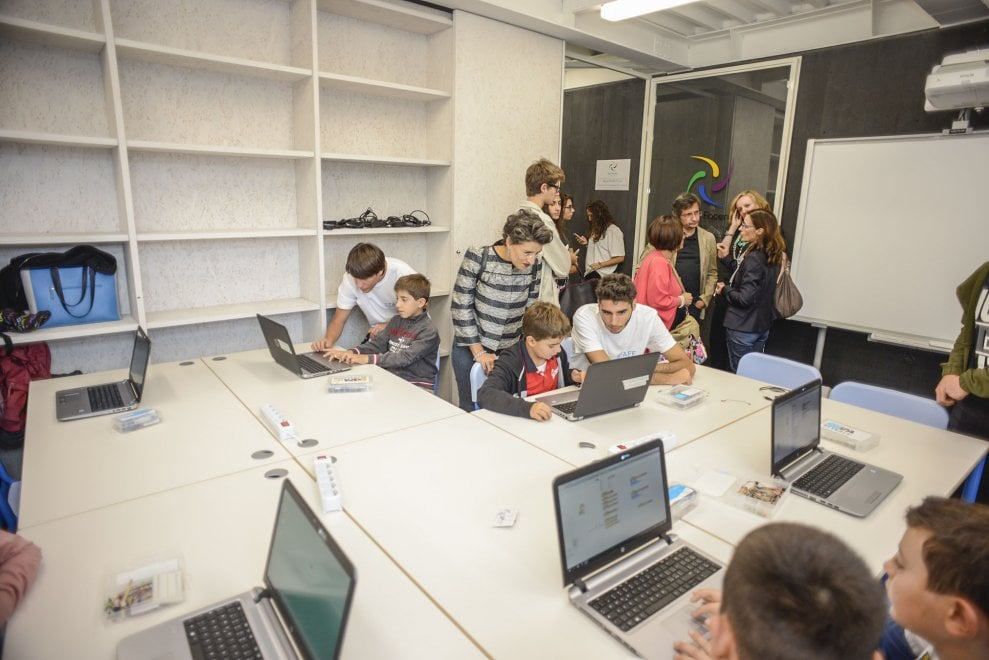 """All'Opificio Golinelli di Bologna nasce il laboratorio per """"imparare facendo"""": dieci scuole ..."""