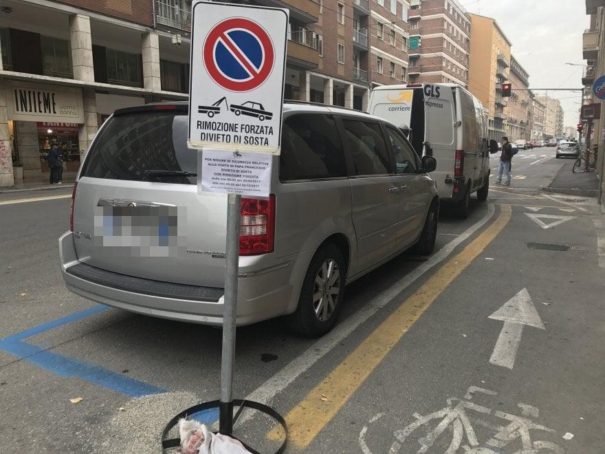 Viabilità Bologna: in via Saffi ci sono ancora i cartelli per la visita del Papa