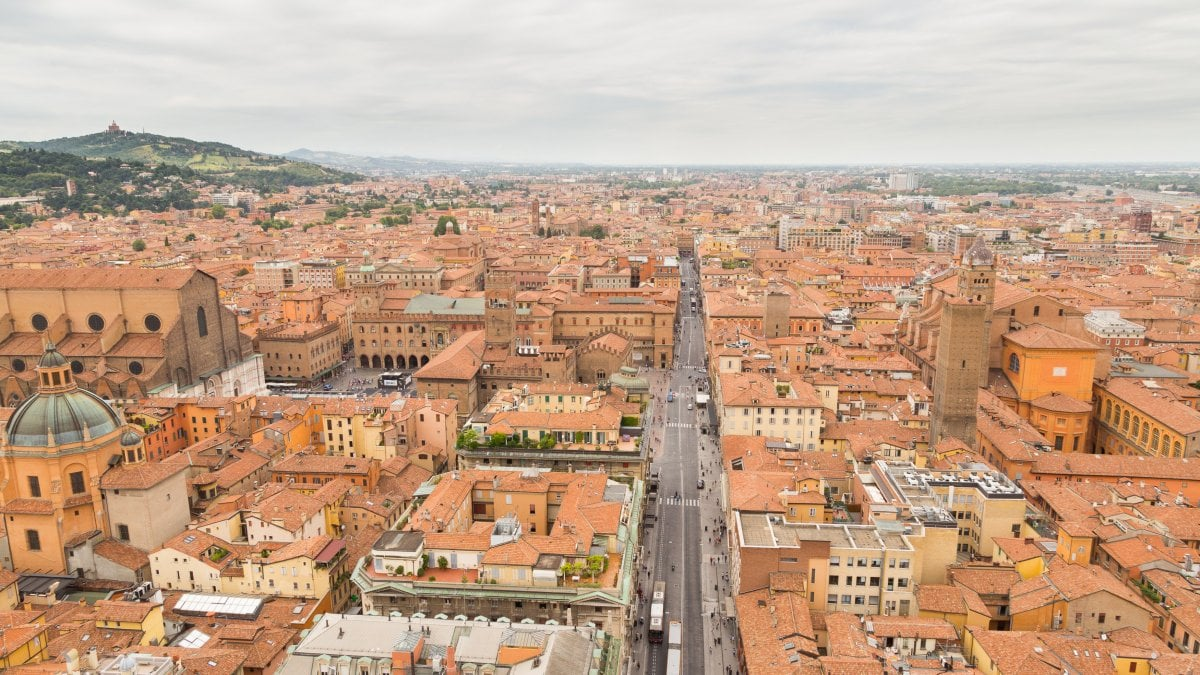 Bologna il comune autorizza l 39 accensione del for Accensione riscaldamento genova 2017