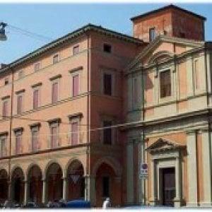 Bologna, fuga di gas: evacuato il San Luigi