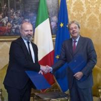 Emilia Romagna, Gentiloni e Bonaccini firmano per l'autonomia