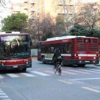 Abbonamenti del bus scontati per studenti e prof: accordo Università di
