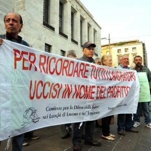 Morti per amianto a Bologna, assolti due dirigenti delle Ogr