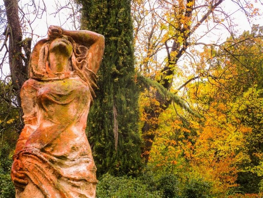 Foliage a Bologna, perdersi nel verde di Villa Spada sotto la pioggia