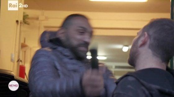 """""""Le botte servono a dare la sveglia ai giornalisti"""": frase choc del presidente dell'Anpi di Imola"""