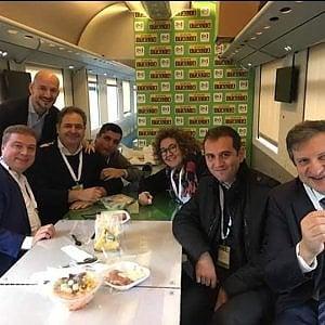 Chi sale e chi scende: la tappa bolognese del treno di Renzi