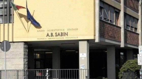 Bologna, aule al freddo: al Sabin gli studenti a lezione in biblioteca
