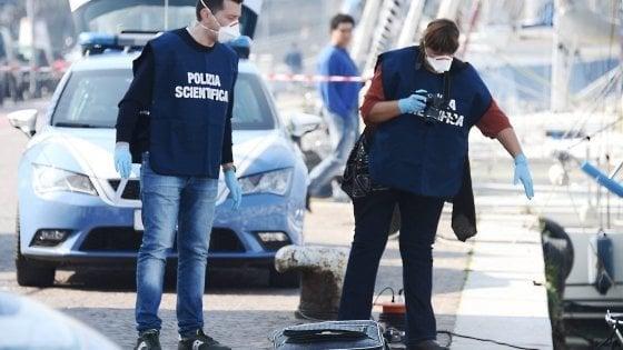 Rimini, gettò in mare il corpo della figlia nascosto in una valigia:  patteggia 14 mesi