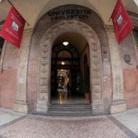 Bologna, arrestata la donna che per vendetta mise il detergente nella bottiglia