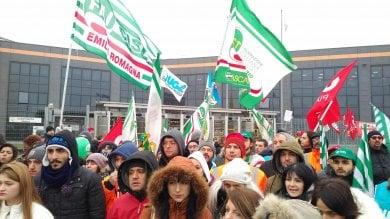 """Lo sciopero ad Amazon Piacenza:  """"Il pacco oggi è per voi""""  Foto"""