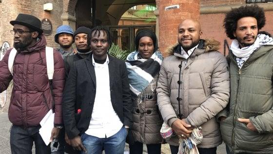 Ateneo bologna la denuncia degli studenti africani for Ritiro permesso di soggiorno bologna