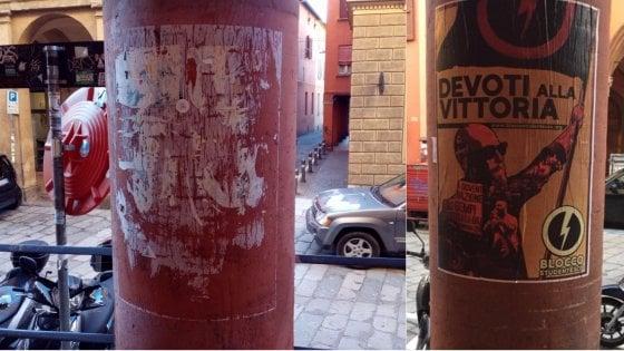 """Bologna, """"manifesti fascisti sulle colonne del liceo Galvani"""""""