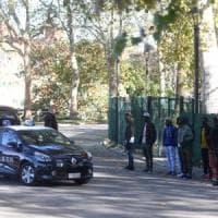 Bologna, rissa in Montagnola davanti alla scuola: Mini-Daspo per tre nigeriani