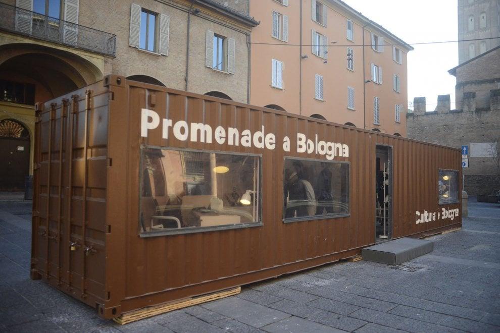 Bologna in piazza Verdi inaugura il container per informazioni su cultura e turismo